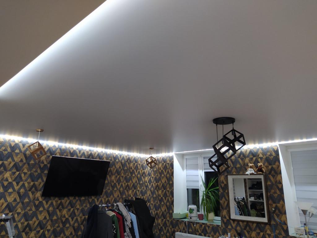 Интерьерное освещение натяжных потолков от «7 квадратов»