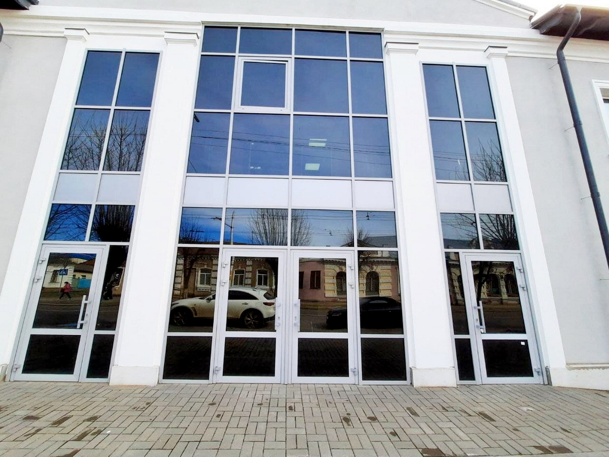 Окна ПВХ для бизнес-центра в Бобруйске