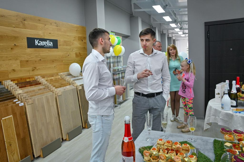 Рай для любителей уюта. В Бобруйске открылся интерьерный салон окон и дверей «7 квадратов»